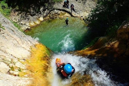 activité evjf nautique à toulouse - canyoning
