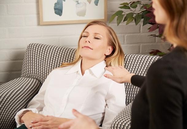 activités evjf originales bruxelles - séance hypnose érotique