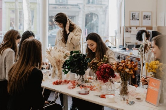 atelier création de couronnes de fleurs pour un evjf à domicile