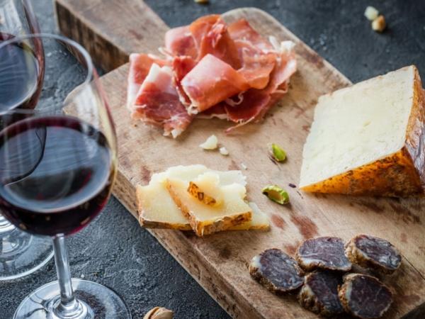 atelier dégustation vin et fromages pour un evjf à toulouse