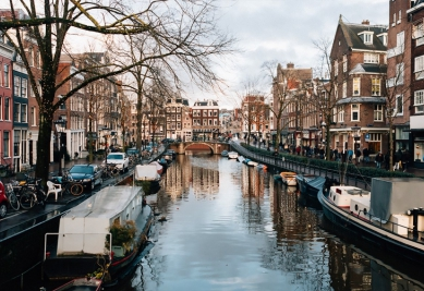 evjf amsterdam - balade en bateau privé