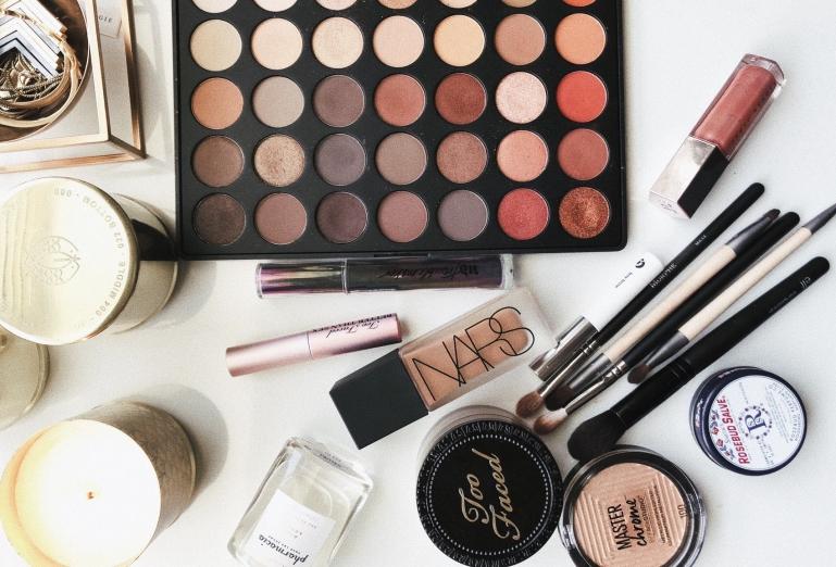 idées evjf annecy - atelier maquillage evjf annecy