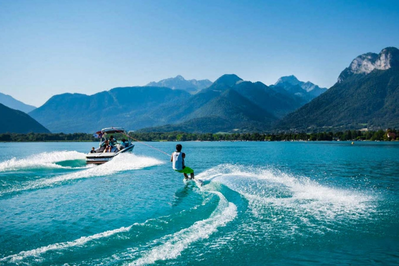 idées evjf annecy - session wake board annecy