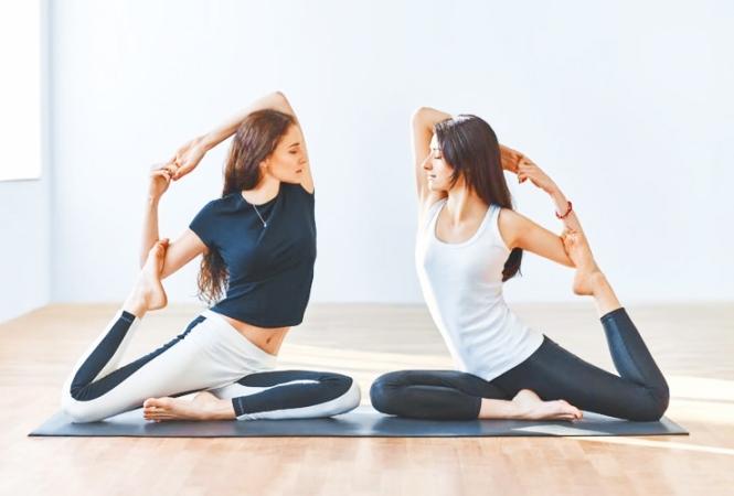idées-evjf-arcachon-cours-de-yoga