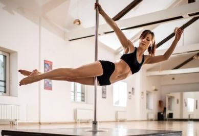 idées evjf deauville - cours de pole dance deauville