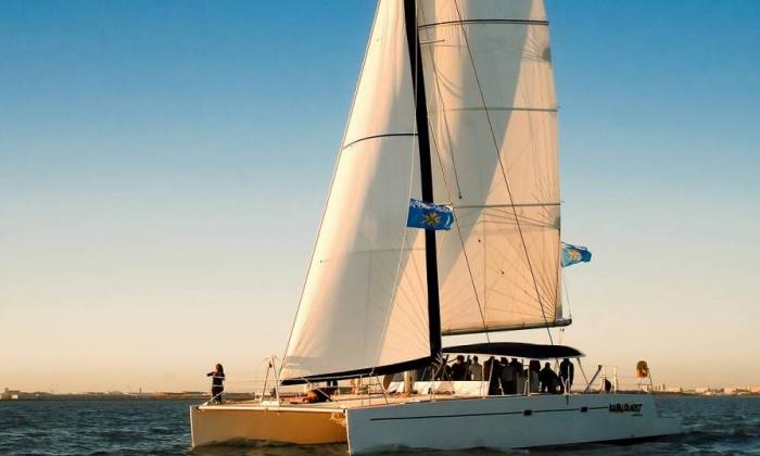 idées evjf la rochelle - sortie en catamaran la rochelle