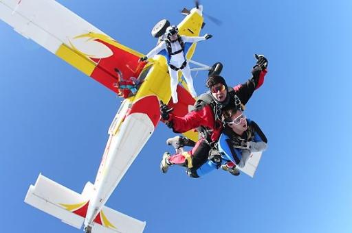 idées evjf lisbonne - saut en parachute lisbonne